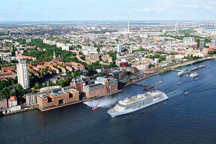 Das neue Hapag-Lloyd-Flaggschiff an seinem Taufort: Die MS «Europa 2» wird am 10. Mai in Hamburg getauft.