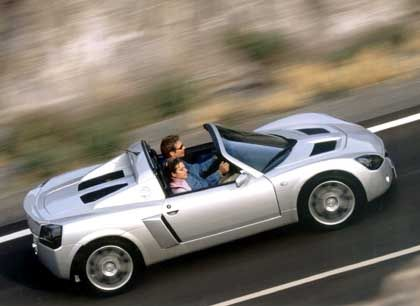 Mit kehligem Fauchen: Der Speedster Turbo verhält sich eher wie ein Fun-Kart denn wie ein Fahrzeug für den Alltag