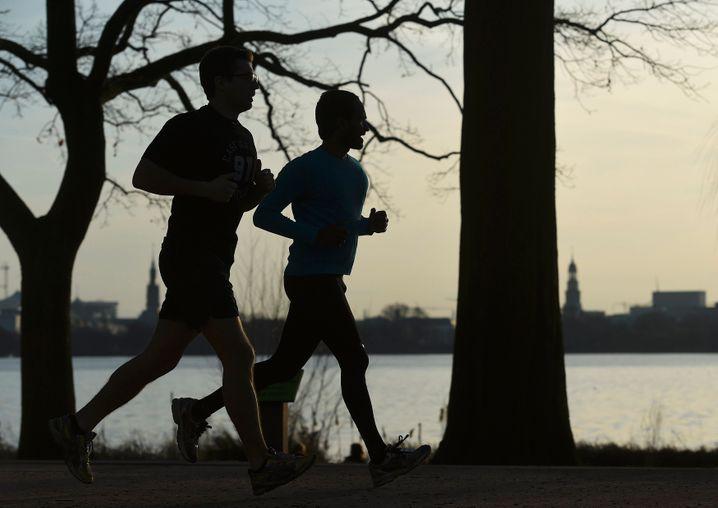 Sehen und gesehen werden: Wer mit anderen läuft, dem fällt es meist leichter, sich zu motivieren