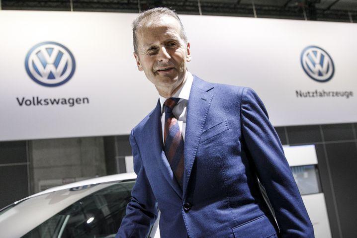 """""""Entschlossener als unsere Wettbewerber gestalten wir den Wandel und treiben ihn voran"""" - so motiviert klang Vorstandschef Diess heute in Berlin."""