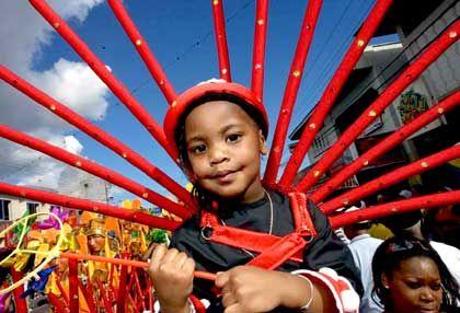 Schon die Kleinsten machen mit: Der Karneval auf Trinidad ist ein Fest für alle Generationen