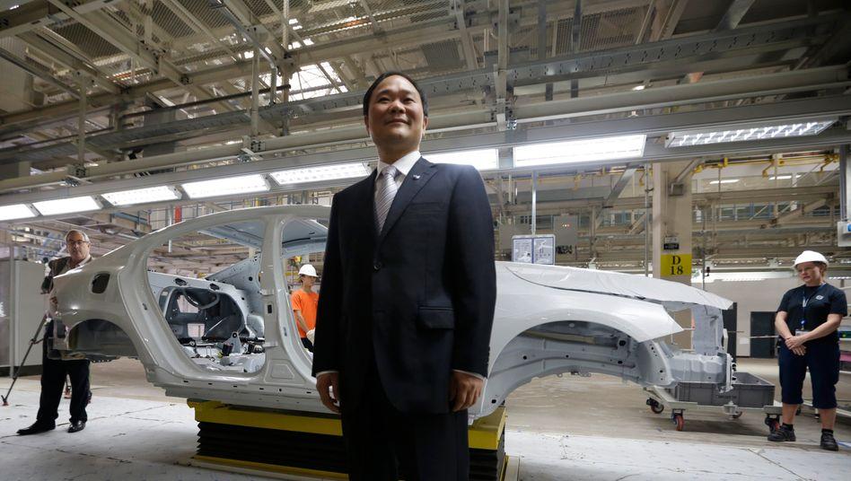 """Ein Zusammenschluss von Geely und Volvo Cars würde einen """"starken weltweiten Konzern ergeben, sagt Geely-Chef Li Shufu (Bild Archiv)"""