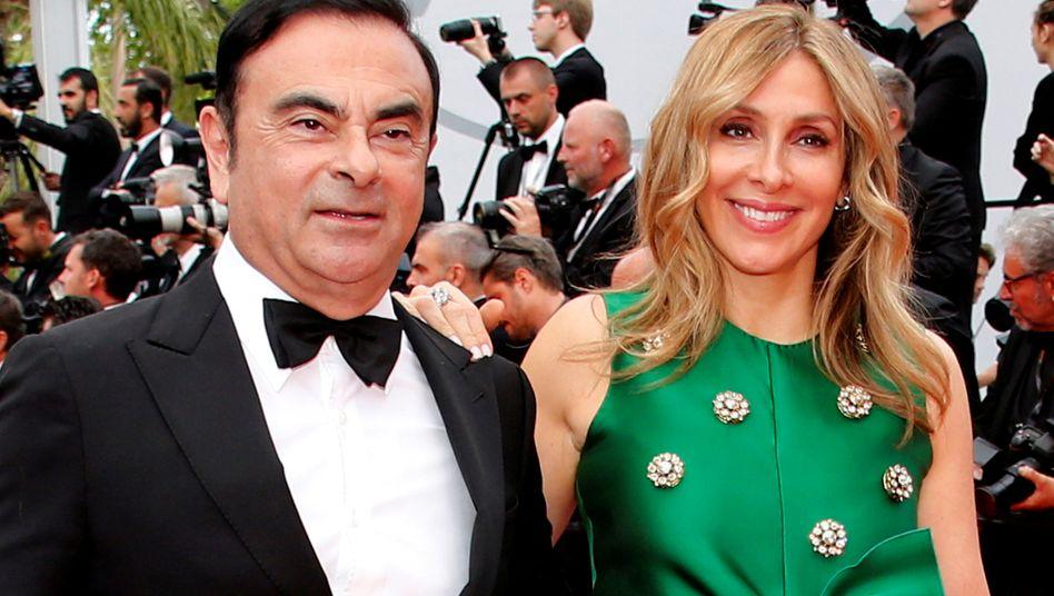 Carlos Carlos und Frau Carole: Zur Hochzeitsparty im Schloss Versailles trug die Herzdame indes das gleiche Kleid