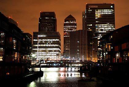 Finanzzentrum in London: Sogar die britische Regierung versucht nun, Finanzakteuren Zügel anzulegen