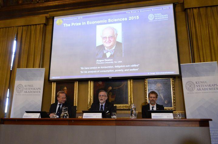 Montagmittag in Stockholm: Bekanntgabe des diesjährigen Wirtschafts-Nobelpreisträgers