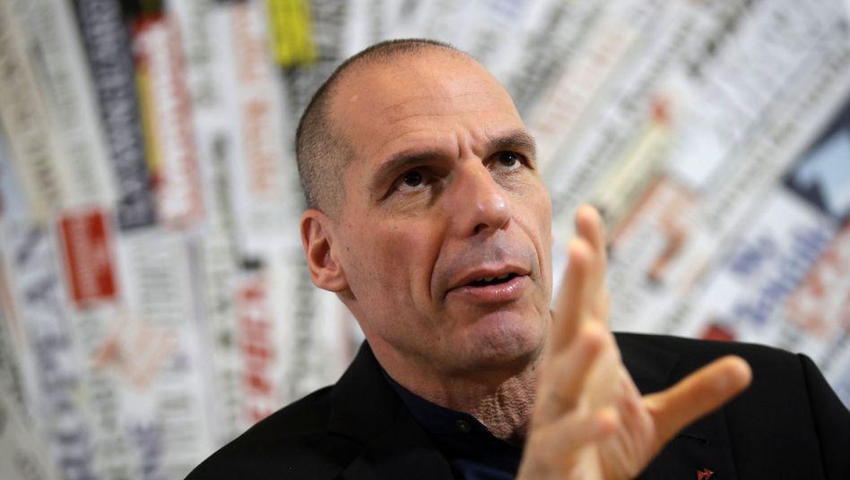 Der frühere griechische Finanzminister Yanis Varoufakis sieht Griechenland noch nicht gerettet