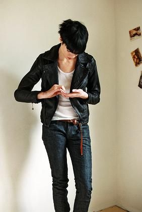"""""""Boyfriend-Style"""": Junge Frauen ziehen gerne Hosen an, die aussehen wie vom Freund geborgt"""