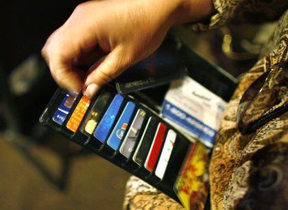 Risiko für Banken: Immer mehr US-Amerikaner können ihre Kreditkartenrechnungen nicht mehr bezahlen