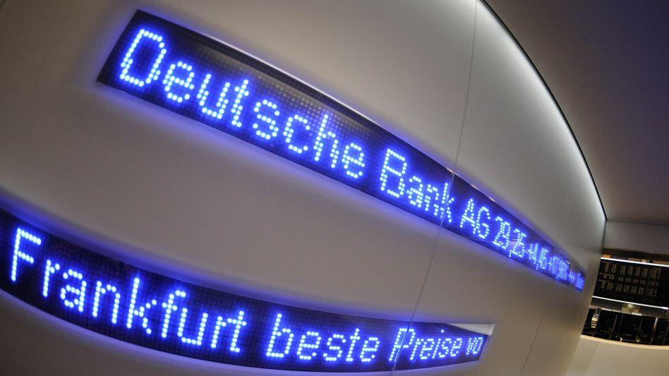 Deutsche Bank an der Börse: Seit Jahren geht es mit der Aktie abwärts