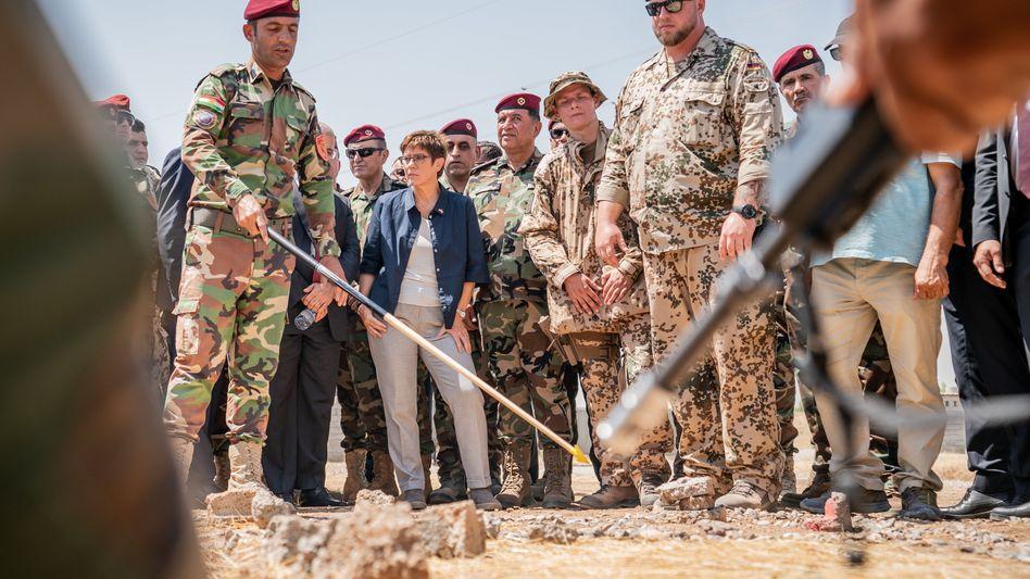 Verteidigungsministerin Annegret Kramp-Karrenbauer (CDU) im Irak