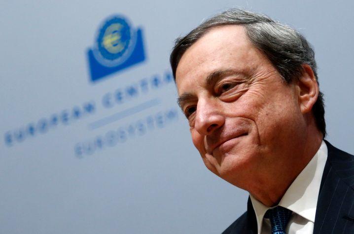 Mario Draghi: Die Märkte schwimmen ohnehin schon im billigen Geld. Doch sollte im Juni eine weitere Zinssenkung kommen, könnte dies den Euro drücken