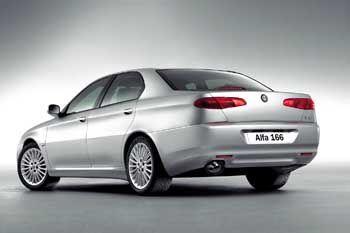 Geliftetes Topmodell: Auch den Alfa 166 gibt es als TI