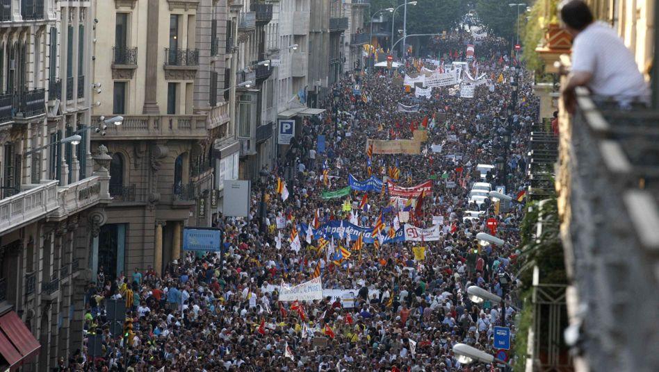 Kundgebung in Barcelona: In ganz Spanien demonstrierten Zehntausende gegen die Sparmaßnahmen