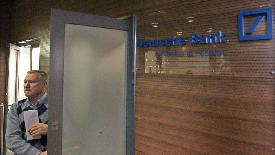 Aus Rubel mach Dollar: Die Deutsche Bank in Moskau soll für Kunden Geld aus zweifelhafter Herkunft in Millionenhöhe gewaschen haben, so der Verdacht