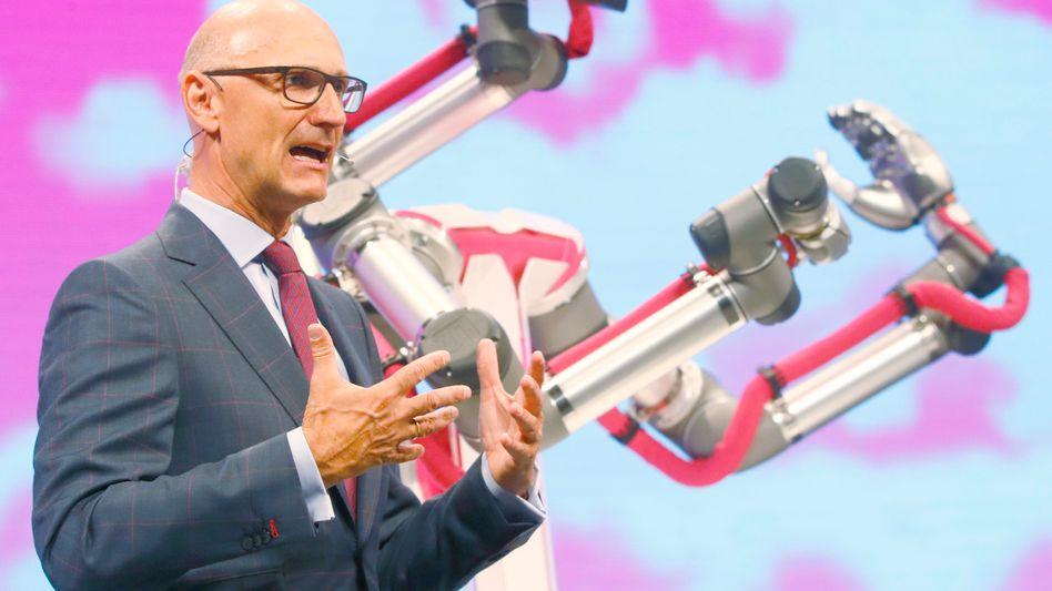 Timotheus Höttges bleibt weitere fünf Jahre Telekom-Chef.