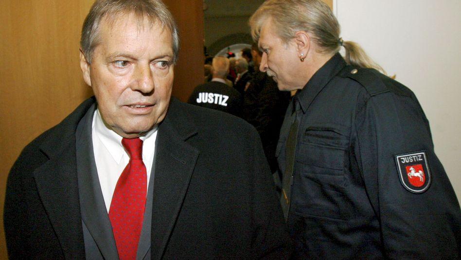 Ex-Betriebsratschef von Volkswagen: Klaus Volkert sagte auch im Prozess gegen seine Ex-Geliebte aus