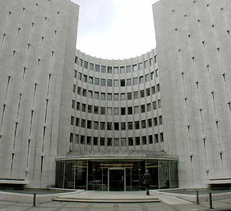 """""""Alle schreiben ab"""": Gerling-Zentrale in Köln"""