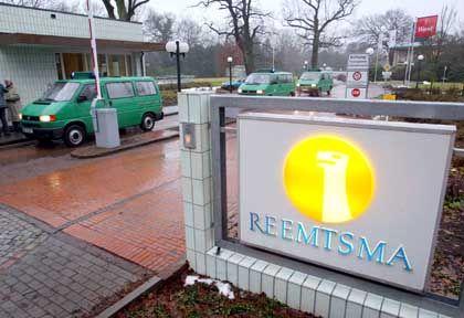 Unter Verdacht: Razzia bei Reemtsma im Jahr 2003