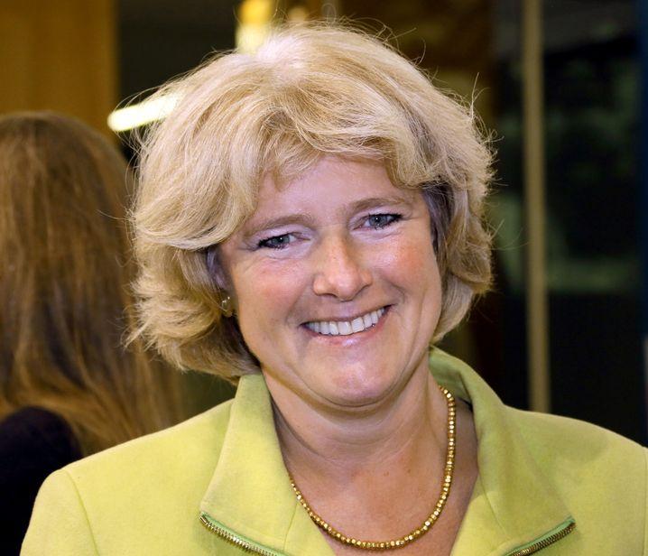 Monika Grütters (CDU, 51 Jahre) wird für die CDU neue Kulturstaatsministerin im Kanzleramt. Die Berlinerin war bislang Vorsitzende des Bundestags-Ausschusses für Kultur und Medien.