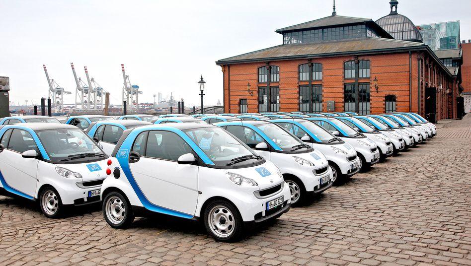 Start der Car2Go-Flotte in Hamburg: Der Kurzzeitvermieter aus dem Hause Daimler nimmt nun Kurs auf Europas Millionenstädte.