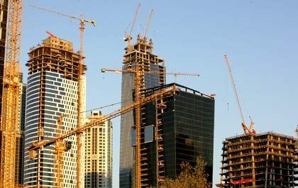 Wolkenkratzer im Bau: Investoren des Axa-Immoselct-Fonds kommen nicht an ihr Geld