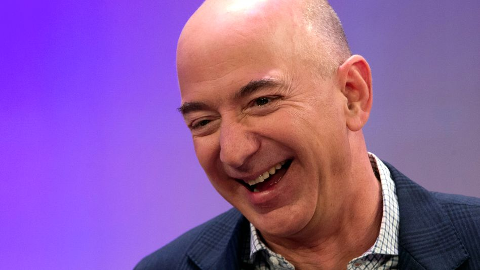Amazon-Chef Jeff Bezos: Per App übers Amazon-Konto bezahlen - auch im Laden