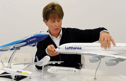 Ein Jungentraum: Horst Polkowski ist Geschäftsführer der Limox GmbH, die für Fluglinien und Reiseanbieter edle Modellflugzeuge fertigt