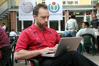 Wikipedia-Gründer Jimmy Wales: Überprüfen, was schief gegangen ist