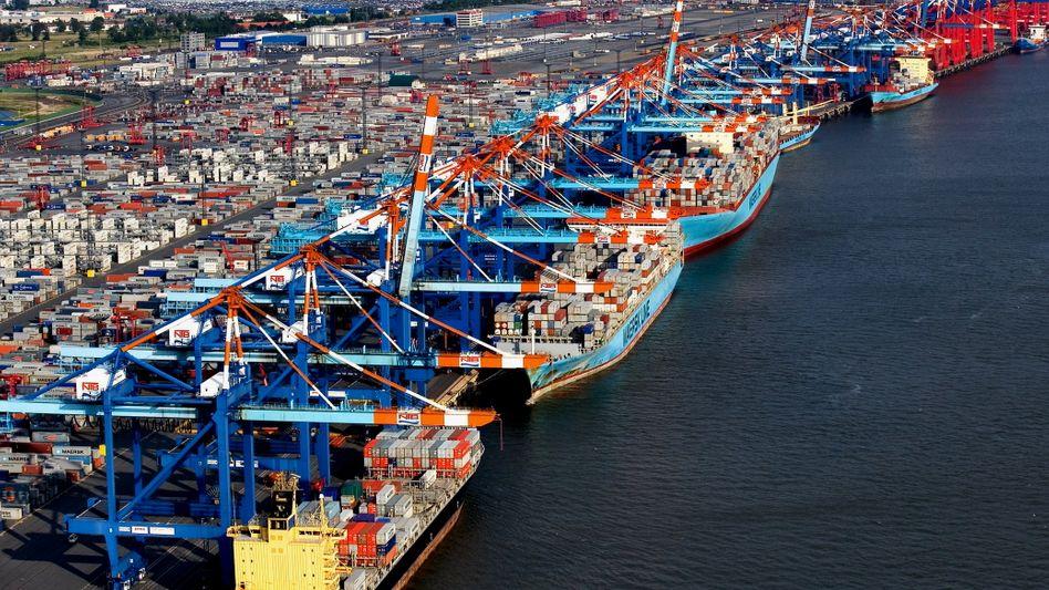 Containerverladung in Bremerhaven: Deutsche Produkte sind im Ausland gefragt