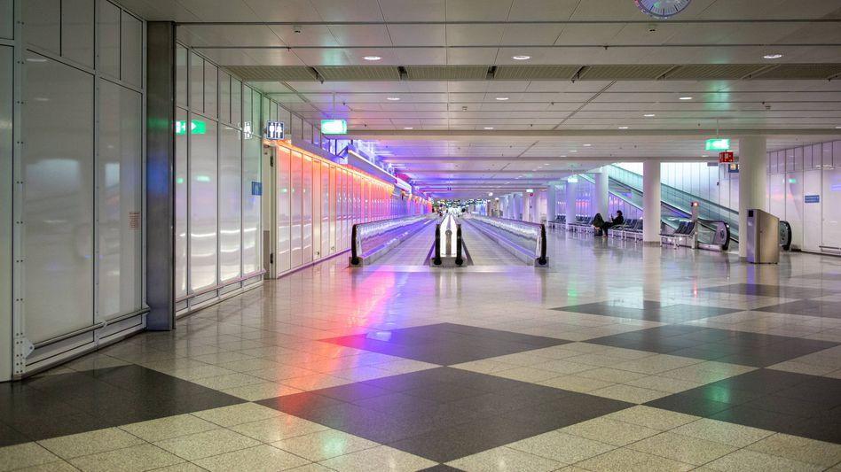Nix los am Terminal: Wie hier am Flughafen München ist die Reisetätigkeit im vergangenen Jahr wegen der Beschränkungen nahezu zum Erliegen gekommen
