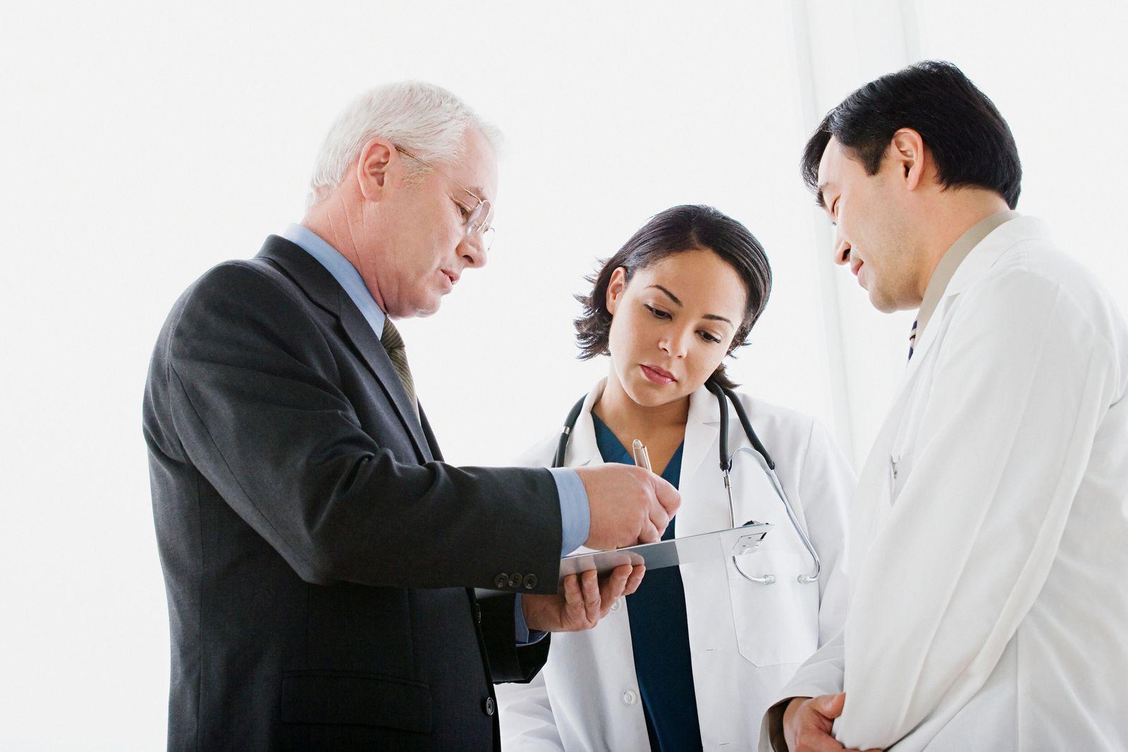 NICHT MEHR VERWENDEN! - Arzt / Patient / Praxis / Untersuchung / Unterschrift