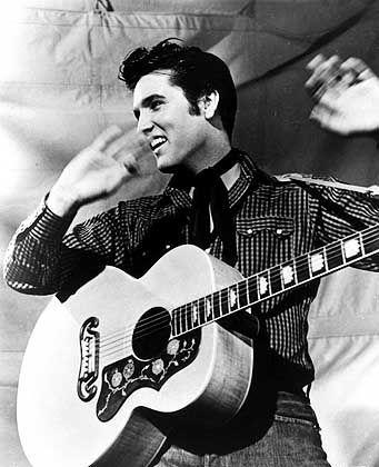 The King is back: Elvis Presley feiert ein Comeback post mortem