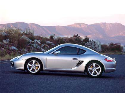 Markanter Schwellerknick und Seitenfenster von Ferrari: Porsche Cayman
