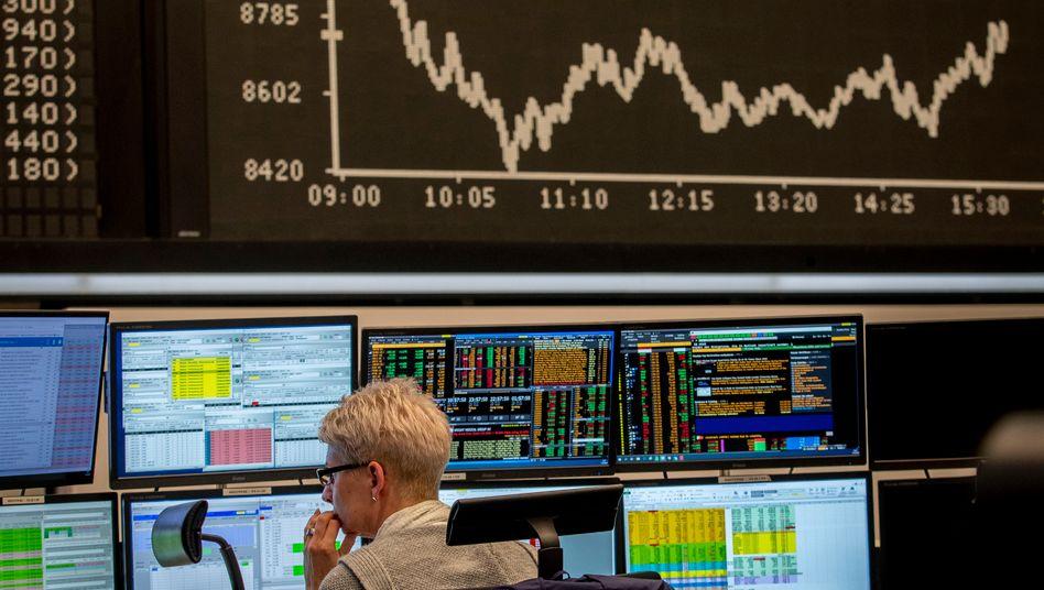 Aktienhändlerin an der Frankfurter Börse