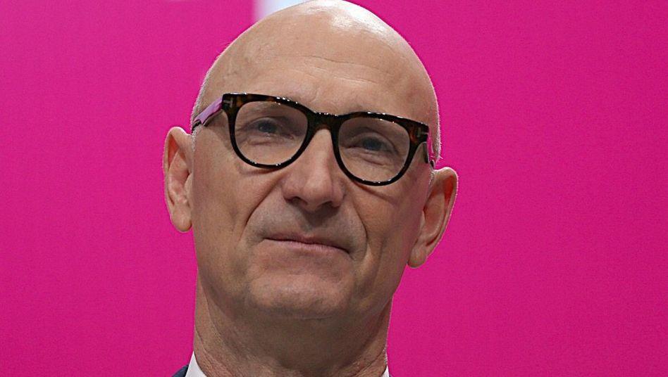 Unter Druck: Telekom-CEO Timotheus Höttges.