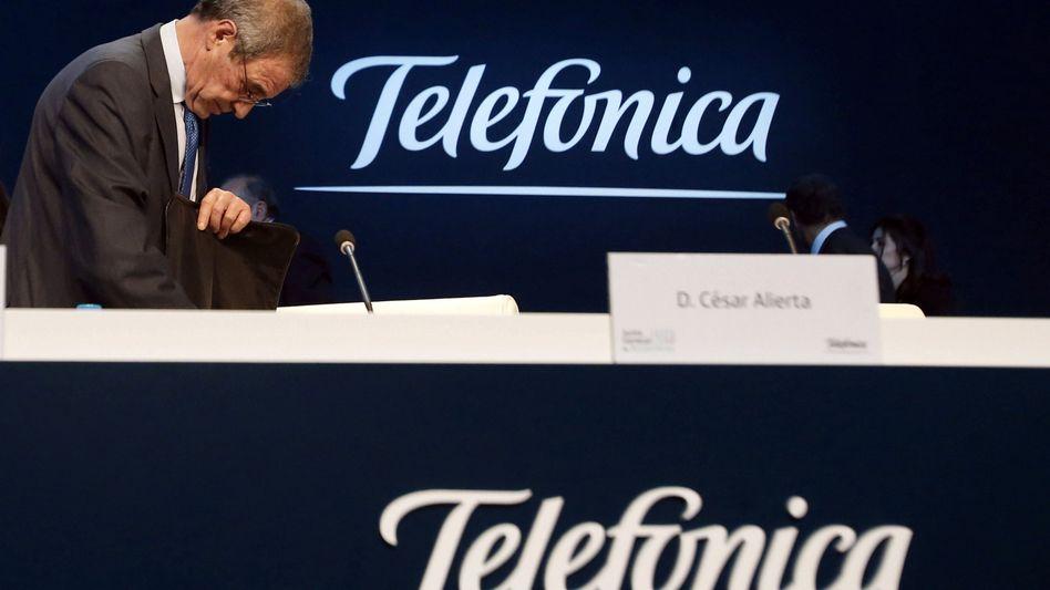 Harte Schritte: Telefonica's CEO Cesar Alierta greift durch