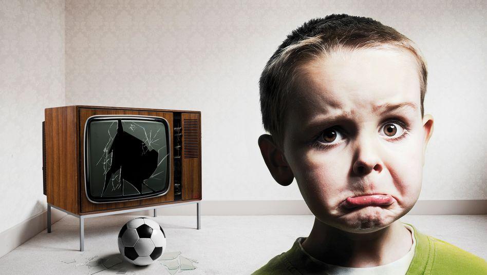 Ok, das ist jetzt nicht das neueste TV-Modell. Aber das mysteriöse Massensterben der TV-Geräte vor einem Fußball-Großereignis wie die Fußball-EM illustriert es gut