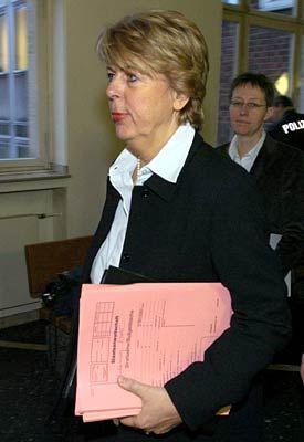 Respektsperson: Richterin Koppenhöfer wurde gestern von der Gegenseite für professionelle Arbeit gelobt
