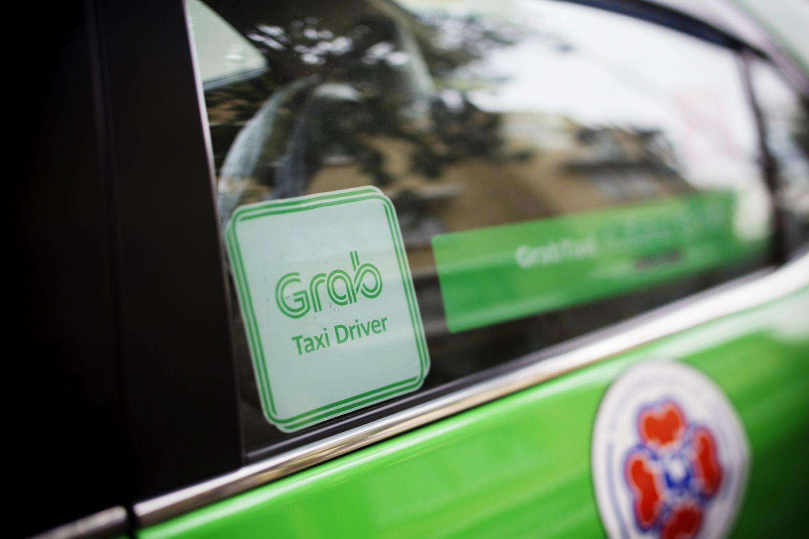 EINMALIGE VERWENDUNG Grab Taxi / Toyota