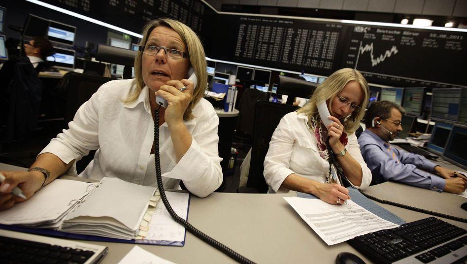 Aktienhändlerinnen und -händler in Frankfurt