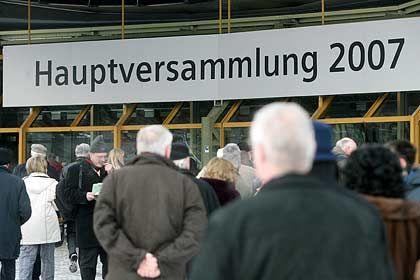 Von starken Zahlen überrascht: Aktionäre strömen zur Siemens-HV in die Münchener Olympiahalle