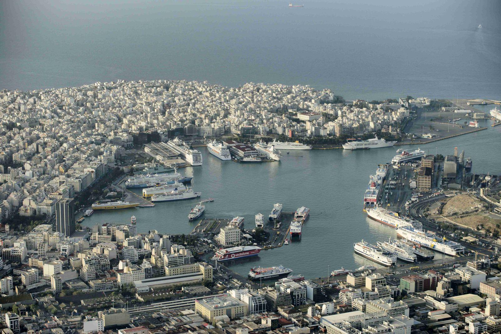 Griechenland / Hafen von Piraeus / Finanzkrise