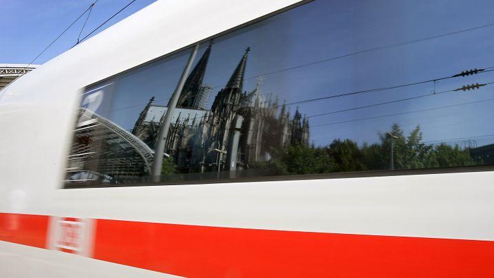 Preisvergleich Hamburg-Köln: Wie Fernbusse, Mitfahrzentralen und Co. die Bahn unter Druck setzen