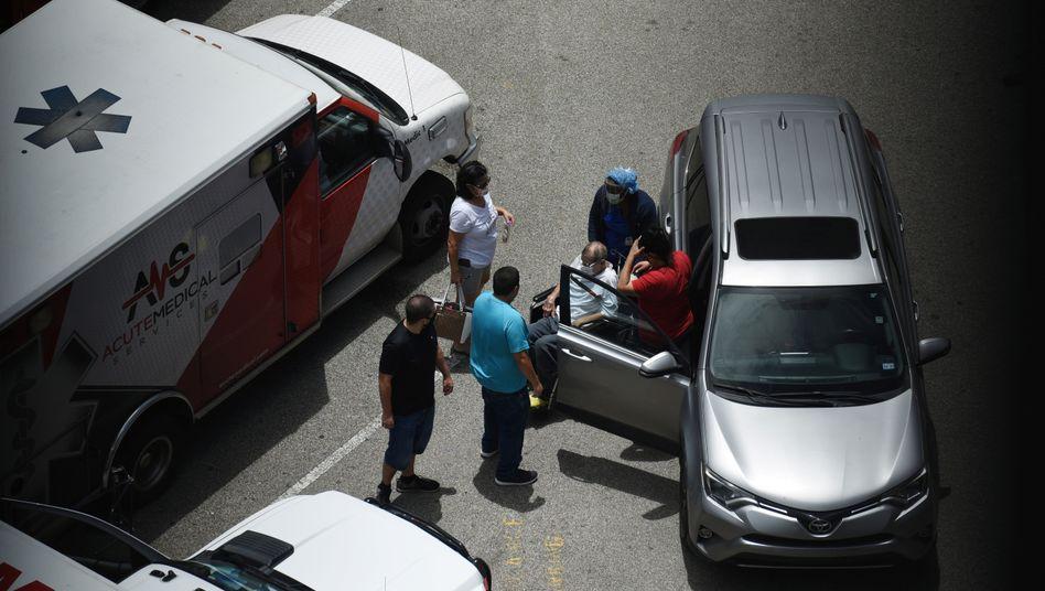 Neuer Hotspot: Notaufnahme eines Covid-19-Patienten in Houston, US-Staat Texas, am Sonntag