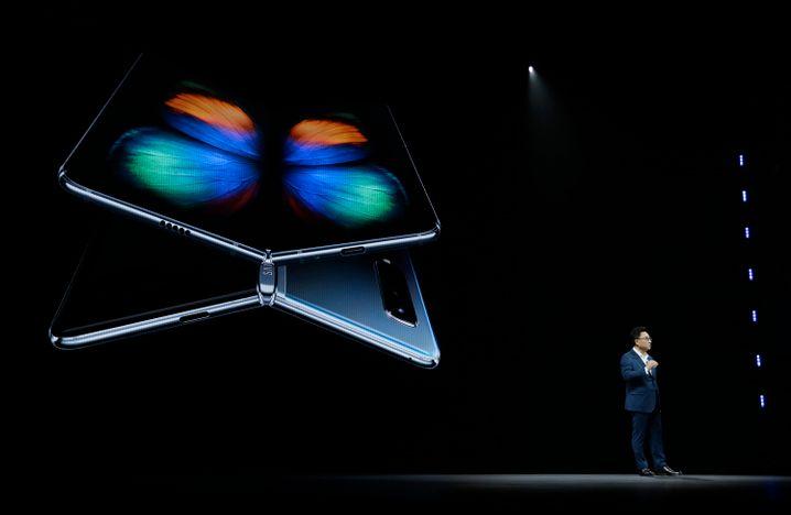 Samsung-Chef DJ Koh präsentiert das Galaxy Fold