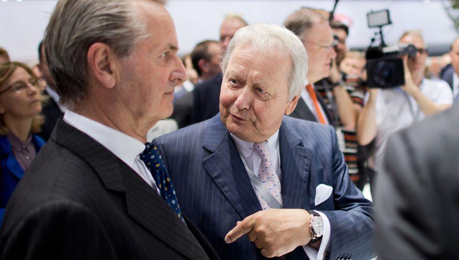 Hans Michel Piëch, Wolfgang Porsche (r).: Der größte Einzelaktionär von VW steigt in den Führungszirkel auf