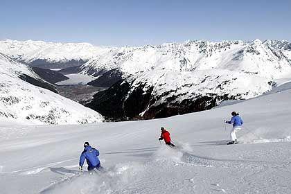 Tiefschnee-Abfahrt: Selbst Umweltaktivisten haben nichts gegen die immer weitere Ausdehnung der Skigebiete einzuwenden