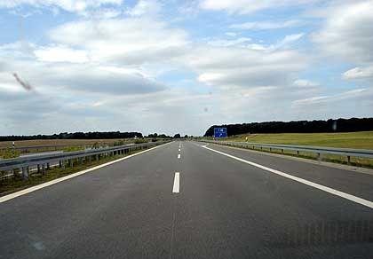 Auf die Straße: Berufspendler bekommen seit Anfang dieses Jahres Kilometergeld erst ab dem 21. Entfernungskilometer
