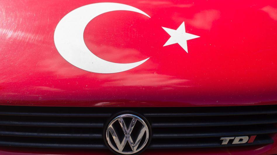 Ob VW ein neues Werk im türkischen Manisa nahe Izmir baut, ist weiter offen. Kritik an dem Vorhaben wurde laut, weil die Menschenrechtslage in der Türkei als heikel gilt