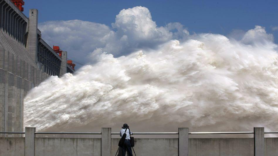 Wasserkraftwerk am Drei-Schluchten-Damm: China baut erneuerbare Energien stark aus
